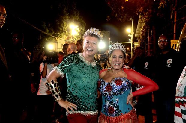 David Brazil e Susana Vieira no ensaio técnico da Grande Rio na Marquês de Sapucaí, no Centro do Rio (Foto: Roberto Teixeira/ EGO)