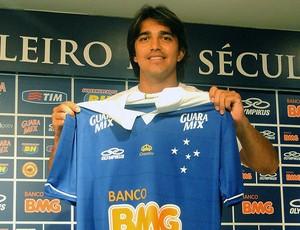 Marcelo Moreno apresentado no Cruzeiro (Foto: Tarcisio Badaró)