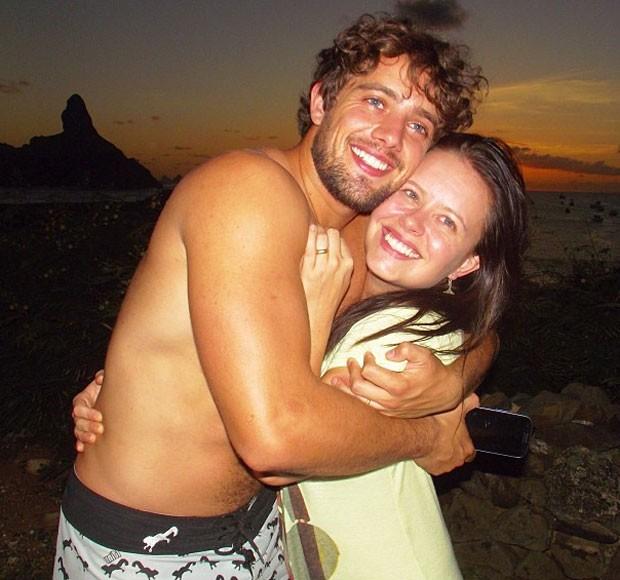 Mariana Bridi e Rafael Cardoso em Fernando de Noronha, em março de 2013. Eles se casaram em uma das ilhas do arquipélago (Foto: Reprodução/Instagram) (Foto: Reprodução/Instagram)