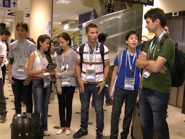 Nove alunos do Piauí receberam medalha de ouro na OBMEP (Foto: Reprodução/TV Clube)
