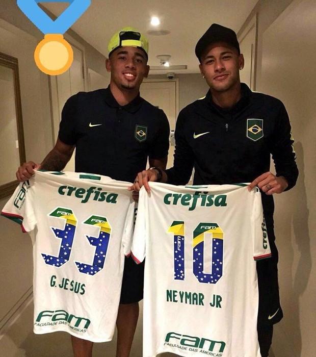 Gabriel Jesus e Neymar Camisa Palmeiras  (Foto: Reprodução/Snapchat)