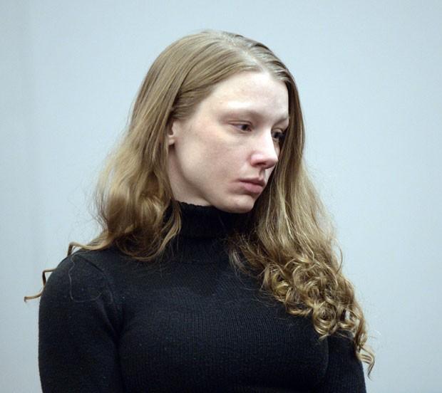 Stephanie Sloop é vista em sua audiência nesta segunda-feira (17) nos EUA (Foto: The Salt Lake Tribune, Al Hartmann/AP)