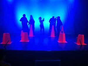 Momentos antes do espetáculo e muita expectativa no palco. (Foto: Davidson Fortunato/G1)