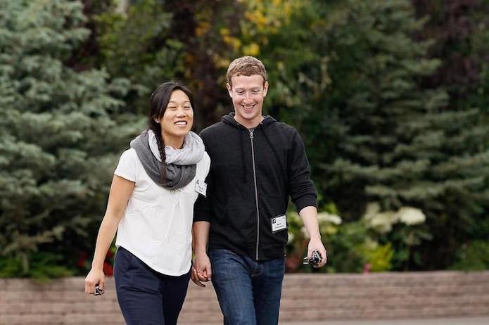 Mark Zuckerber e sua esposa se empenharam no combate da epidemia do vírus Ebola (Foto: Reprodução/Facebook)