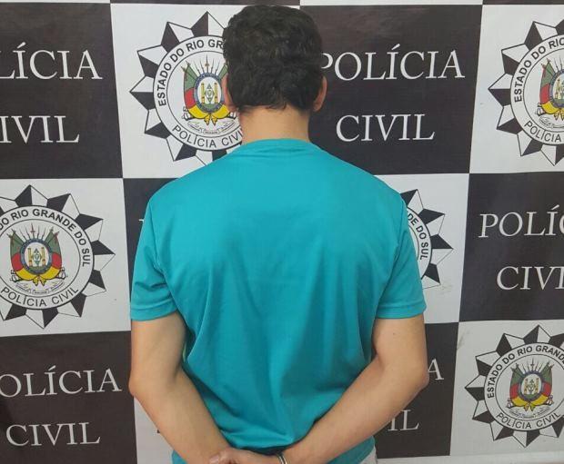 Homem foi preso em flagrante por cárcere privado em Santa Maria (Foto: Divulgação/Polícia Civil)