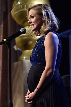 Grávida, Kristen Bell em evento em Los Angeles, nos Estados Unidos (Foto: Kevin Winter/ Getty Images/ AFP)
