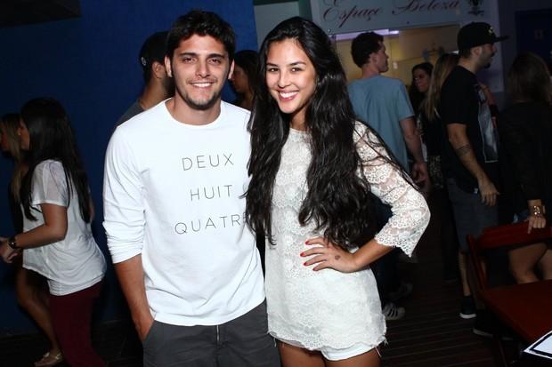 Bruno Gissoni e Yanna Lavigne em boate (Foto: Raphael Mesquita/Divulgação)