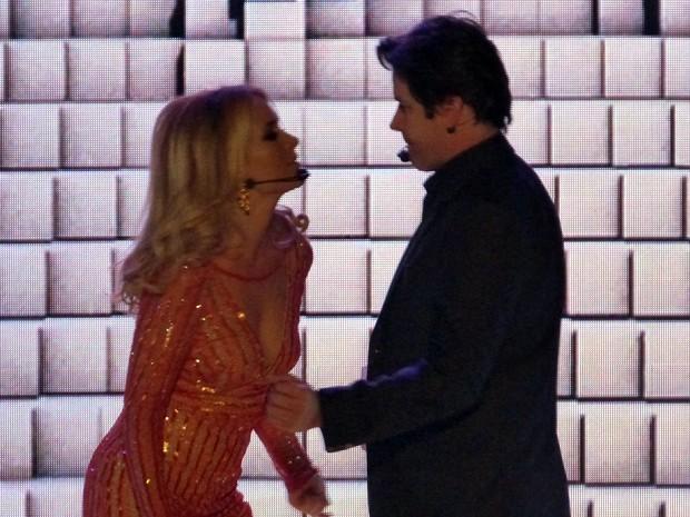 EBA!!!! Vai ter dancinha (Foto: Angélica Bastos/Gshow)