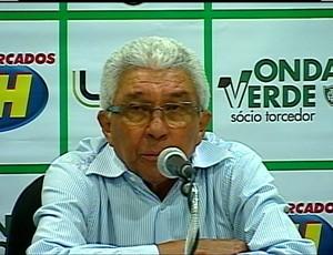 Técnico Givanildo Oliveira durante entrevista coletiva no estádio Independência (Foto: Reprodução/Premiere)