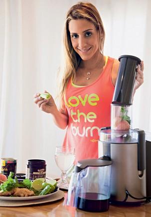 Está difícil abandonar os maus hábitos e entrar na dieta? Carol Buffara te ajuda nessa missão!