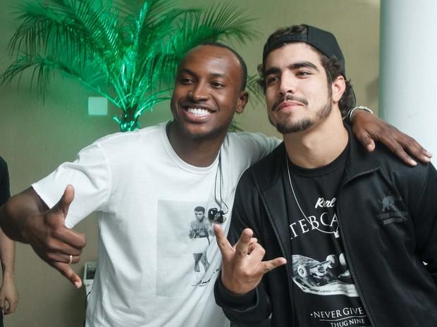 Thiaguinho e Caio Castro em show no Rio (Foto: Marcos Samerson/ Agência We Love Photo!)