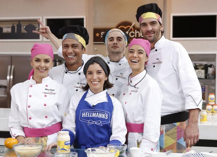 Os participantes do Super Chef com Natália Santos (Foto: Fábio Rocha)