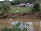 Casal e duas crianças morrem após veículo cair de ponte no RS