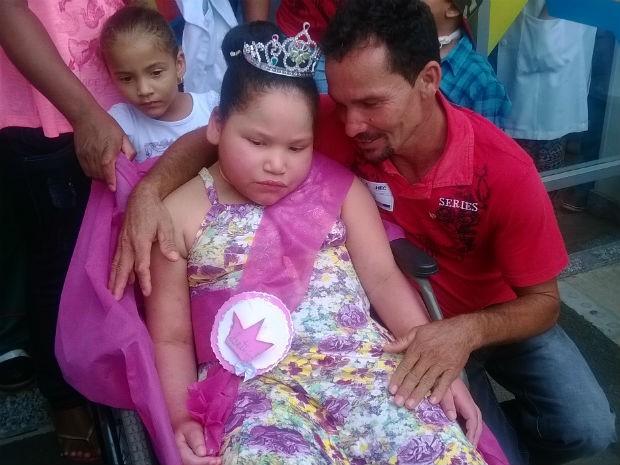 Pai de Letícia, Crispin Anunciação, diz que volta da filha é um sonho (Foto: Henrique Mendes/G1)