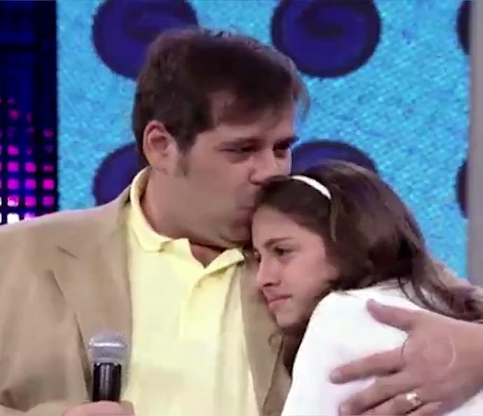 Leandro Hassum dá um beijinho na filha, Pietra (Foto: TV Globo)
