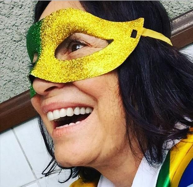Regina Duarte mascarada para protesto contra corrupção (Foto: Reprodução/Instagram)