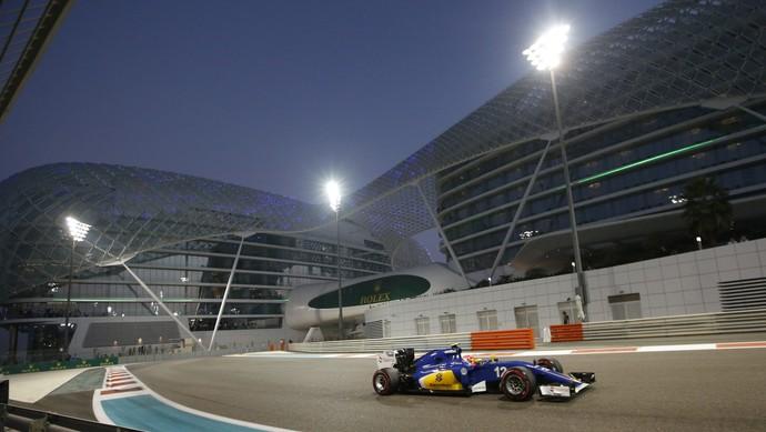 Felipe Nasr em ação no treino classificatório para o GP de Abu Dhabi (Foto: AP)