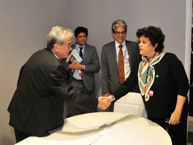 Ministra Izabella Teixeira reunida com o ministro de Relações Exteriores Tony deBrum, das Ilhas Marshall.  (Foto: Paulo de Araujo/Ministério do Meio Ambiente/Divulgação)