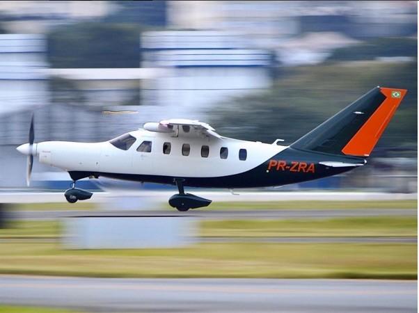 [Brasil] Avião cai sobre casa na Zona Norte de São Paulo Przra_aviao