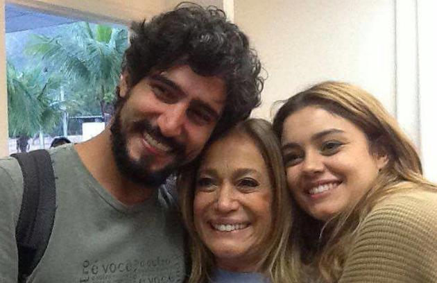 'Vou sentir saudades desse casal que arrebentou o horário das onze', disse Susana Vieira, ao lado de Renato Góes e Sophie Charlotte (Foto: Reprodução Instagram)
