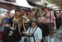 FOTOS: grupos de amigos participam com trajes típicos