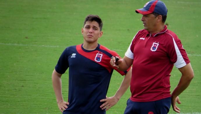 Lucas Otávio Claudinei Oliveira Paraná Clube (Foto: Fernando Freire)