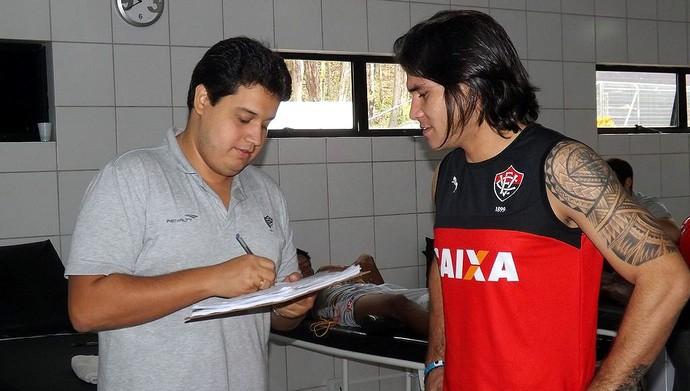 Atacante paraguaio Guillermo Beltrán inicia exames médicos na Toca do Leão (Foto: Divulgação/E.C. Vitória)