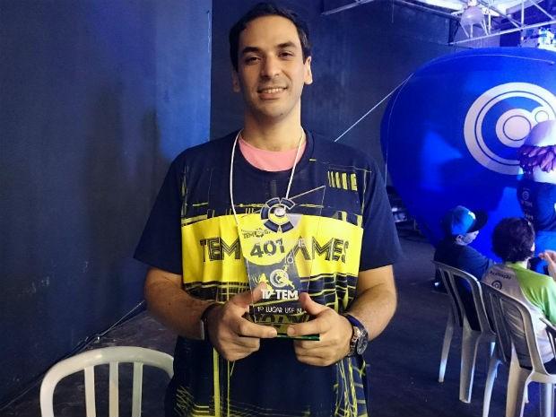 Rafael Augusto Dimarzio Rossi afirma que é viciado em games  (Foto: Ana Paula Yabiku/G1)