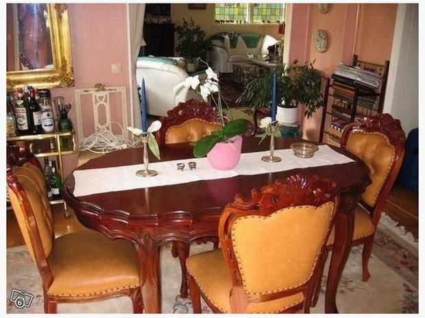 Vende-se uma mesa de jantar...