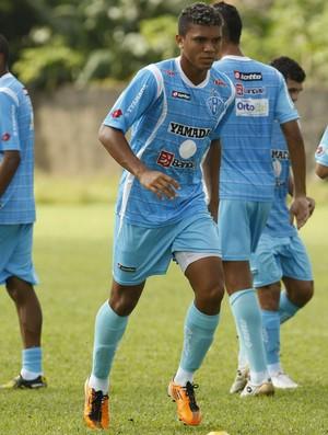 Zagueiro Thiago Costa treinando (Foto: Marcelo Seabra / O Liberal)