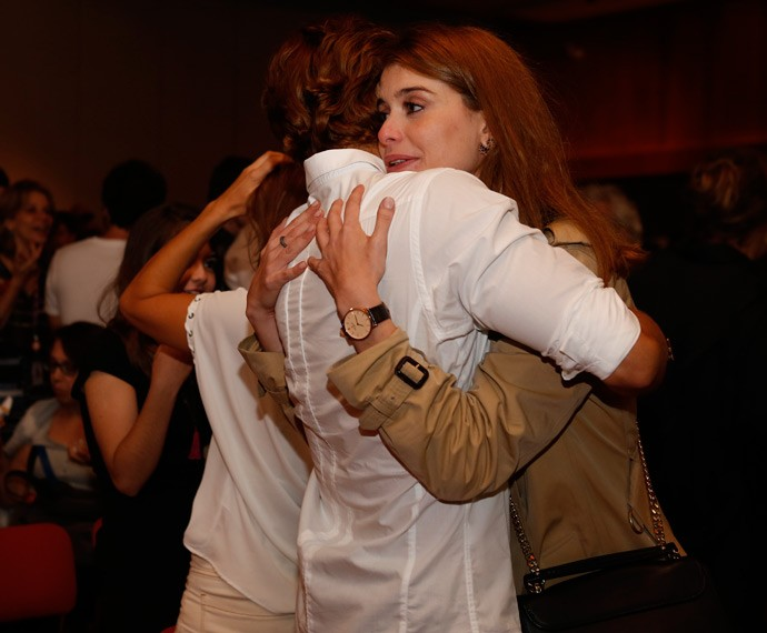 Alinne Moraes não segurou o choro! (Foto: Ellen Soares/Gshow)