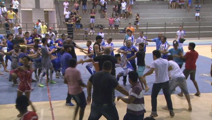 Roraimense de Futsal Sub-20 termina em pancadaria (Foto: reprodução TV Roraima)