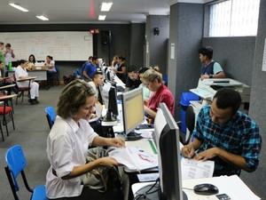 Documentação deve ser entregue na sede da Escola de Serviço Público Municipal (Espi) (Foto: Hariele Quara/Espi)
