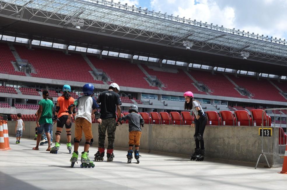 Pista de patinação é uma das atrações do Domingo na Arena (Foto: Maurício Penedo/Arena de Pernambuco)
