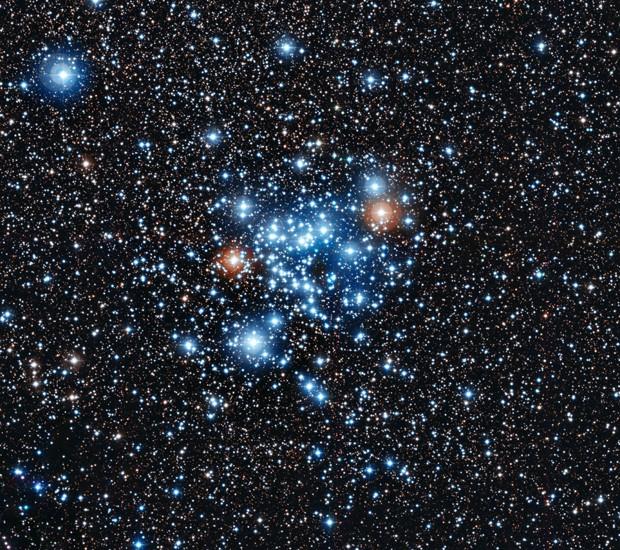 Conjunto de estrelas; estudo cuidadoso mostra que 36 delas pertencem a uma nova classe de astro (Foto: ESO/AFP)