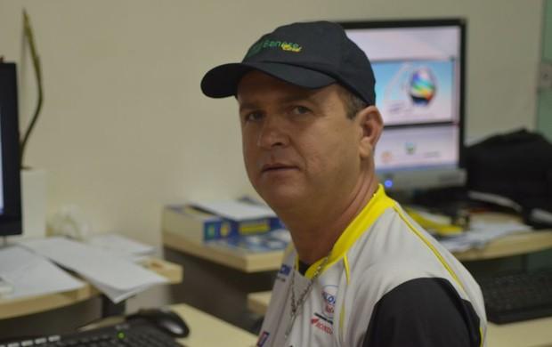 Wilson Mendonça, o Galego, na redação do GLOBOESPORTE.COM (Foto: João Áquila/GLOBOESPORTE.COM)
