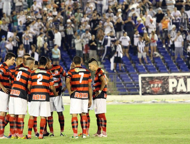 Campinense eliminado (Foto: Magnus Menezes / Jornal da Paraíba)