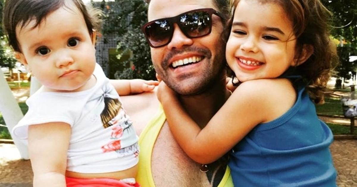 Pai elimina 33 quilos para brincar com as filhas: 'Sem dor e com disposição'