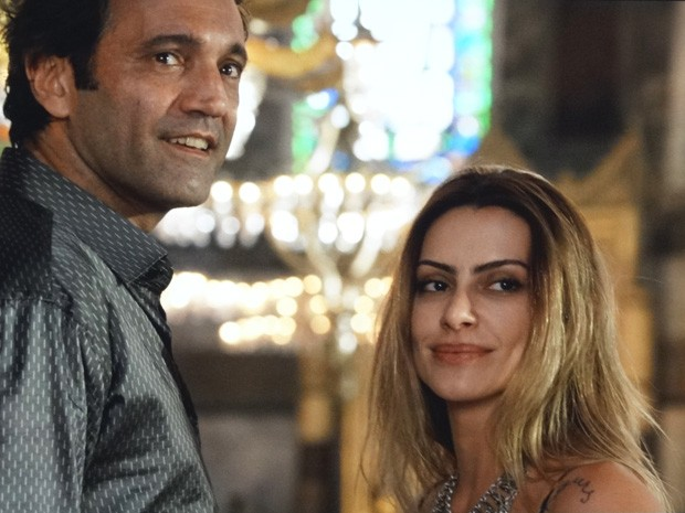 Bianca e Zyah encaram Stenio  (Foto: Salve Jorge/ TV Globo)