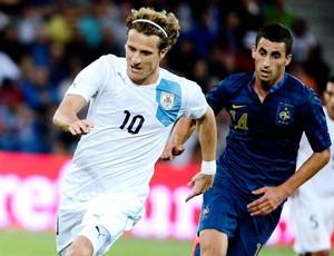 Forlán no amistoso do Uruguai contra a França (Foto: AFP)