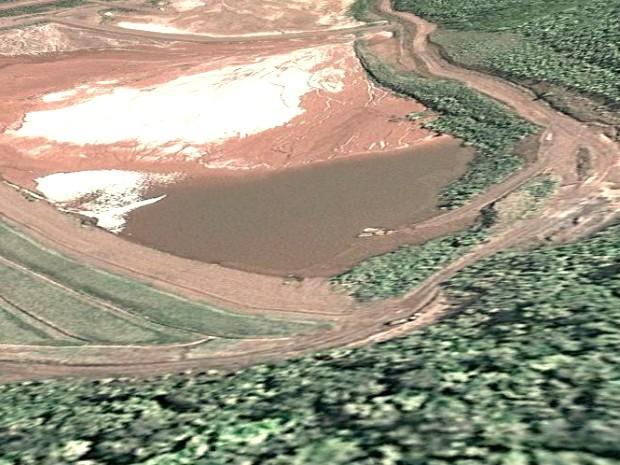 Imagem de satélite da barragem do Gregorio, em Corumbá; localização obtida a partir das coordenadas disponíveis no Cadastro Nacional de Barragens de Mineração (Foto: Google Earth)