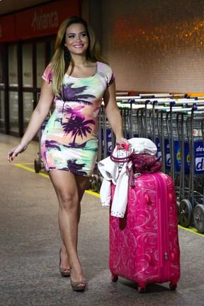 Geisy Arruda em aeroporto em São Paulo (Foto: Manuela Scarpa/ Foto Rio News)