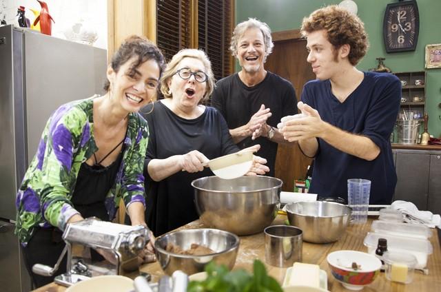 Claudia Ohana, Aracy Balabanian, Marcello Novaes e João Côrtes no workshop da novela (Foto:  Globo/ Sérgio Zalis)