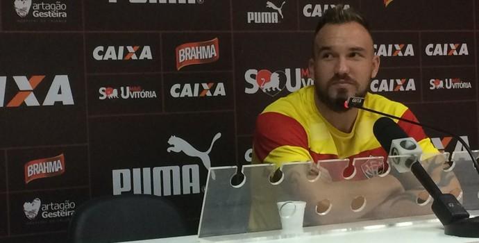 Willian Farias; Vitória (Foto: Thiago Pereira)