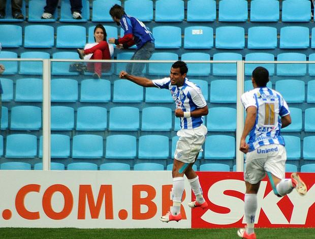 Ricardo Jesus comemora gol do Avaí contra o Vitória (Foto: Antonio C. Mafalda / Mafalda Press / Futura Press)