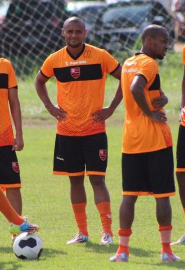 Treino Flamengo-PI Athirson (Foto: Abdias Bideh/GloboEsporte.com)