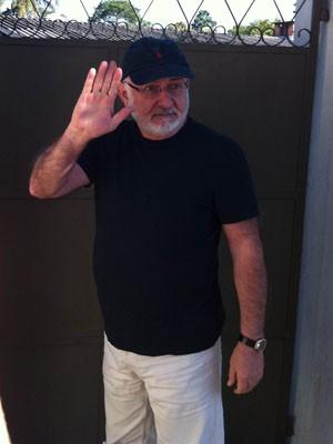 Silvio de Abreu chega ao velório de Cleyde Yáconis (Foto: Flávio Seixlack/G1)