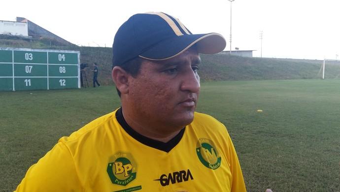 RN - Higor César, técnico do Globo FC (Foto: Jocaff Souza/GloboEsporte.com)
