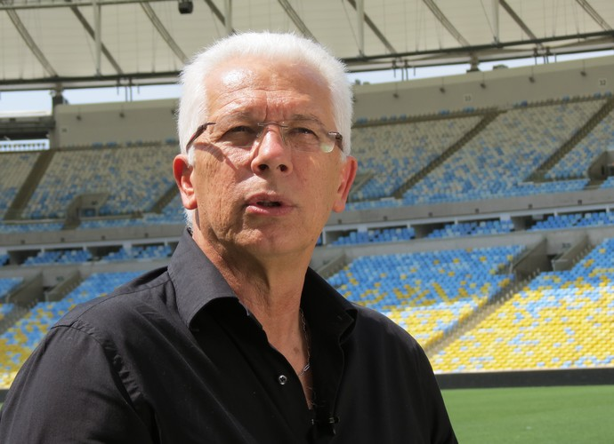 Emerson Leão, no Maracanã, falou sobre a situação atual do Palmeiras (Foto: Daniel Cardoso)
