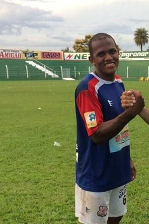 Fábio Júnior, lateral do Tocantins (Foto: Divulgação )